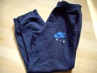 Dark blue Nike teenagers jogging bottom £4