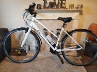 Immaculate White Giant Alight Ladies Hybrid bike