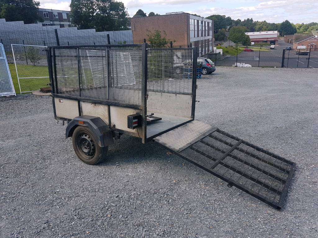Good strong 6x4 trailer with removable meshsides and 5ft ramp. Led lights