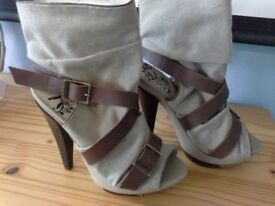 Firetrap Iron Cuff Beige/Brown Platform Peep Toe Heels UK5/38