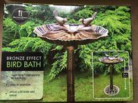 ( New ) Mason & Jones Bronze Effect Bird Bath Table