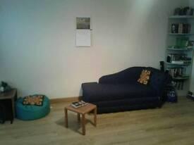 Master Room, flat share £400 ish (£320 rent + Bills £70-£110) fourth floor flat