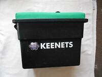 KEENETS FISHING TACKLE BOX SEAT, Excellent Condition.