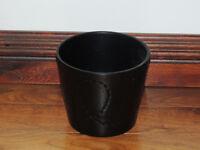 Black plant pot (Delivery)