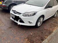 Ford Focus front end £375 white bonnet front bumper etc