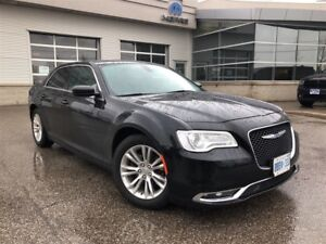 2017 Chrysler 300 TOURING**LEATHER**PANORAMIC SUNROOF**