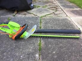 Electric hedge trimmer - corded - B&Q Performance Power brand