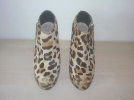 op Shop Ladies Leopard Effect Ankle Shoe Size 4