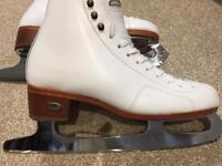 Ladies Riedell Figure Skates. Size 4.5/5