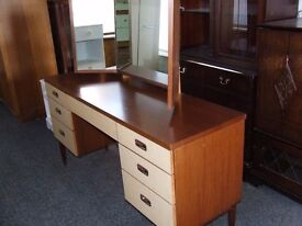 Retro dressing table with mirror and drawers
