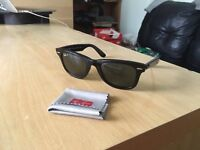 Brand new Ray ban Wayfarer sunglasses