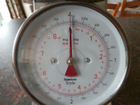 Scales in excellent condition - for cooking / baking