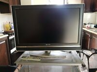 Sony TV 32 inch + Remote + Free HDMI cable