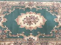 Traditional Style Rug Green and Cream 100% Polypropylene 47.5in/120cm x 67in/179cm R056