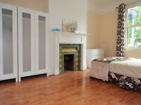 Queen Mary Students *****6 Double Bedroom Apartment To Let *****
