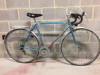 Vintage Motobecane men's bike, *** condition new wheel