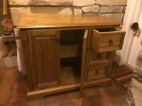 Cupboard / Chest of Drawers