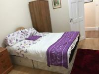 Lovely room to let in G51 1LF