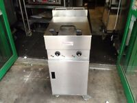 CATERING COMMERCIAL VALENTINE TWIN TANK FRYER V2200 MODEL .CAFE BBQ KEBAB CHICKEN HOTEL BAR KITCHEN
