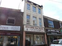 * ONE BEDROOM FIRST FLOOR FLAT * CLOSE TO THE CITY CENTRE * DSS 35+ CONSIDERED *