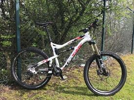 Lapierre spicey 327 downhill bike