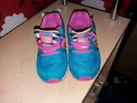 Never worn nike nb trainers size 8.5 juniour