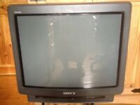 "Classic Sony Trinitron KV-21X4U 21"" Colour TV, Ideal for Retro Gaming"