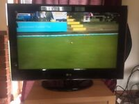 LG 32 inch LCD FULL HD TV ★ With Stand and Remote ★ Full 1080p HD ★ Great condition ★