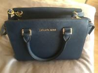 Michael kors navy medium bag