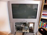 Sony Trinitron KD-28DL11U 28 inch Widescreen TV CRT with Freeview and Stand, Great for Retro Gaming!