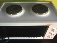 Russell Hobbs Mini Oven with twin solid hot plates-excellent condition (not sure if been used)