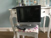 Tv dvd combi 14 inch bush