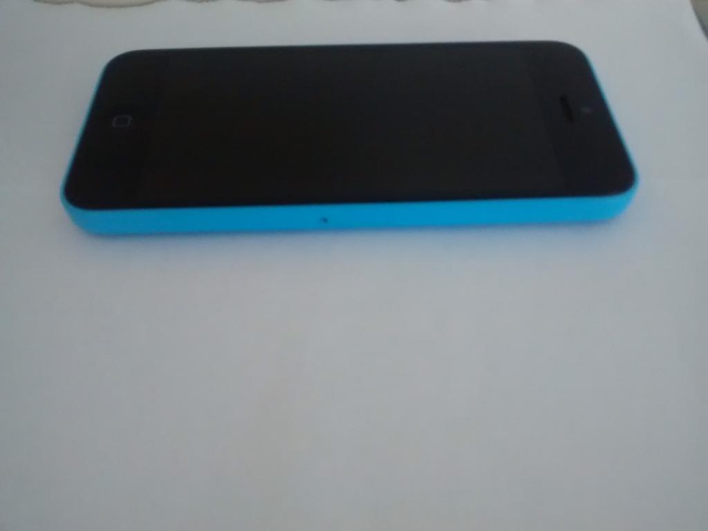 Apple iPhone 5C - 16GB Blue - Smartphone, on EE