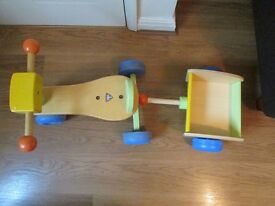GIRLS OR BOYS WOODEN TRIKE WITH DETACHABLE BASKET FROM EARLY LEARNING CENTRE