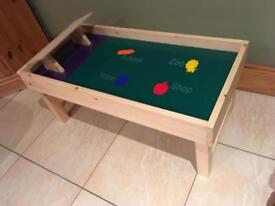 Kid's play table