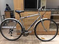 "GIANT BICYCLE X 500 SERIES Hybrid Bike. 20"" Frame. 21 GEARS. 700cc Wheels! Fully working"