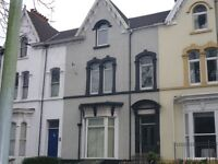 Large Studio with garden. Walking distance of Uplands & City Centre. AVAILABLENOW