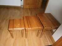 Pine nest of 3 tables