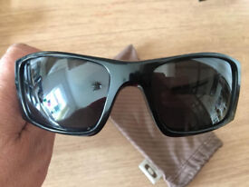 oakley fuel cell sunglasses with new polarised lenses