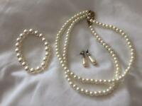 Pearl Jewellery Set (wedding)