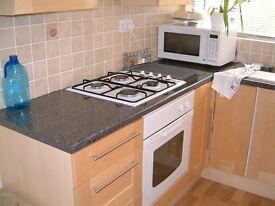 2 bedroom flat in Camborne Road - Sutton