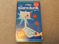 Smiggle Mini SlamDunk Game ... flick & shoot ! Desk top fun