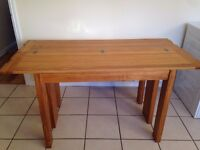 Laura Ashley Milton Oak Table,Very Good Condition,Can Deliver