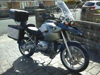 Bmw R1200 GS with BMW panniers and top box plus large givi screen