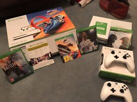 Xbox One S 500GB 2 controllers 3 months xbox live 5 games