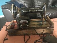 Vintage singer machine. Notin working order but could be restored or used for parts