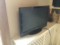 Toshiba 22 inch TV/DVD combo with built in freeview