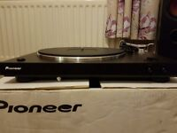PIONEER PL30 RECORD DECK AS NEW CONDITION