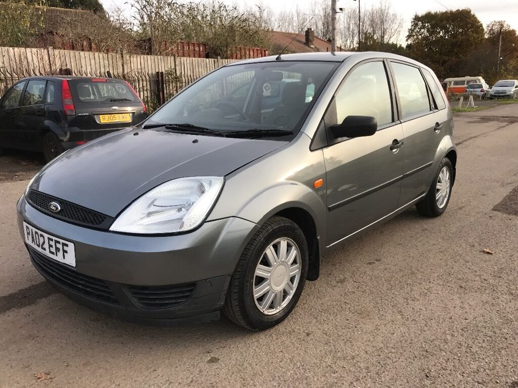 2002 02 reg ford fiesta 1.6 ghia,only 61k,mot may 2017,just fully serviced