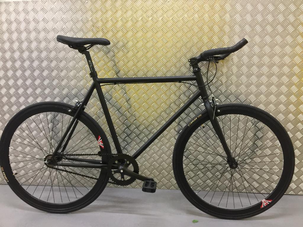 Brand new single speed /fixed gear bike road racing hybrid bicycle -10kg Matt black